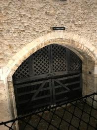 Prisoner's gate